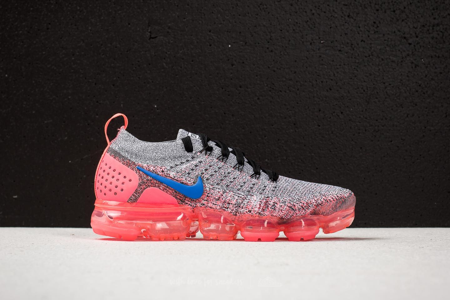 reputable site ac442 4af20 Nike Air Vapormax Flyknit 2 W White/ Ultramarine-Hot Punch ...