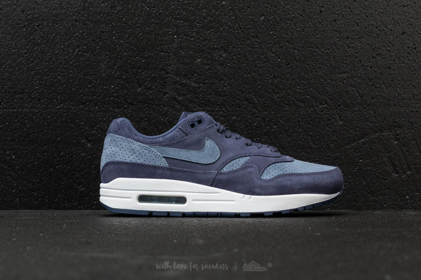 buy online 18367 80fa0 Nike Air Max Premium 1 Neutral Indigo  Diffused Blue at a great price  116  buy