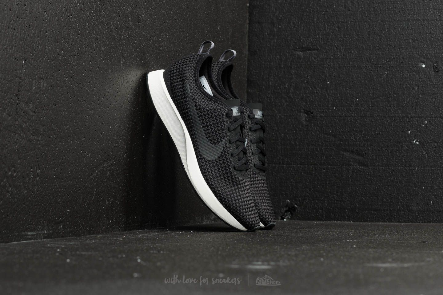 Nike Dualtone Racer SE Black/ Dark Grey/ Sail