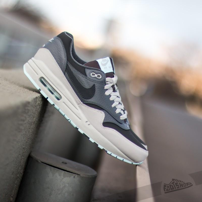 Nike Air Max 1 LTR Black –
