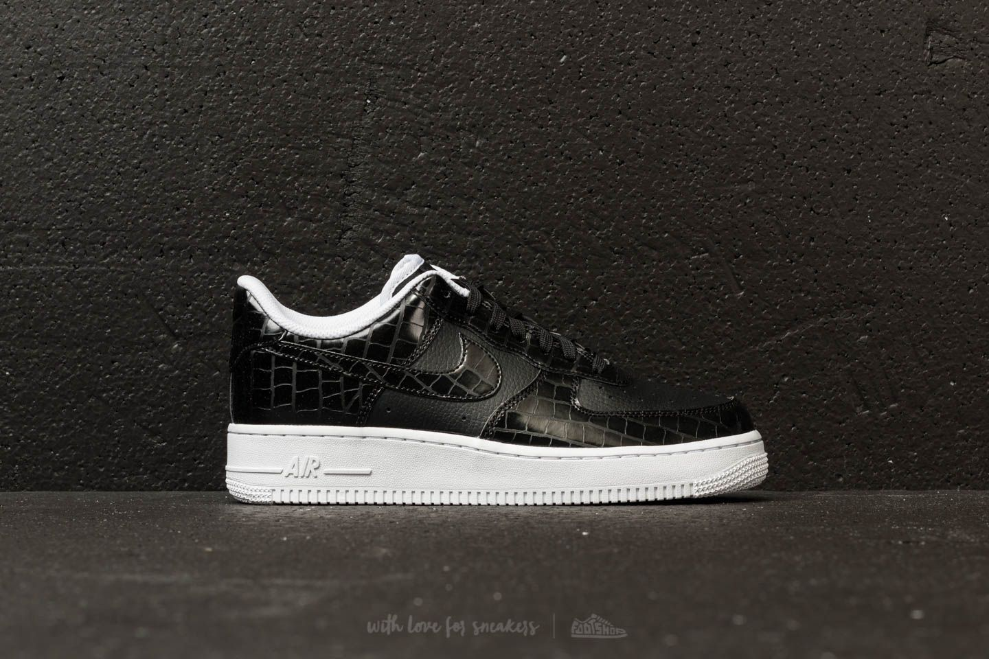 check out 57680 8bd96 Nike Air Force 1 ´07 Essential WMNS Black  Black-White at a great