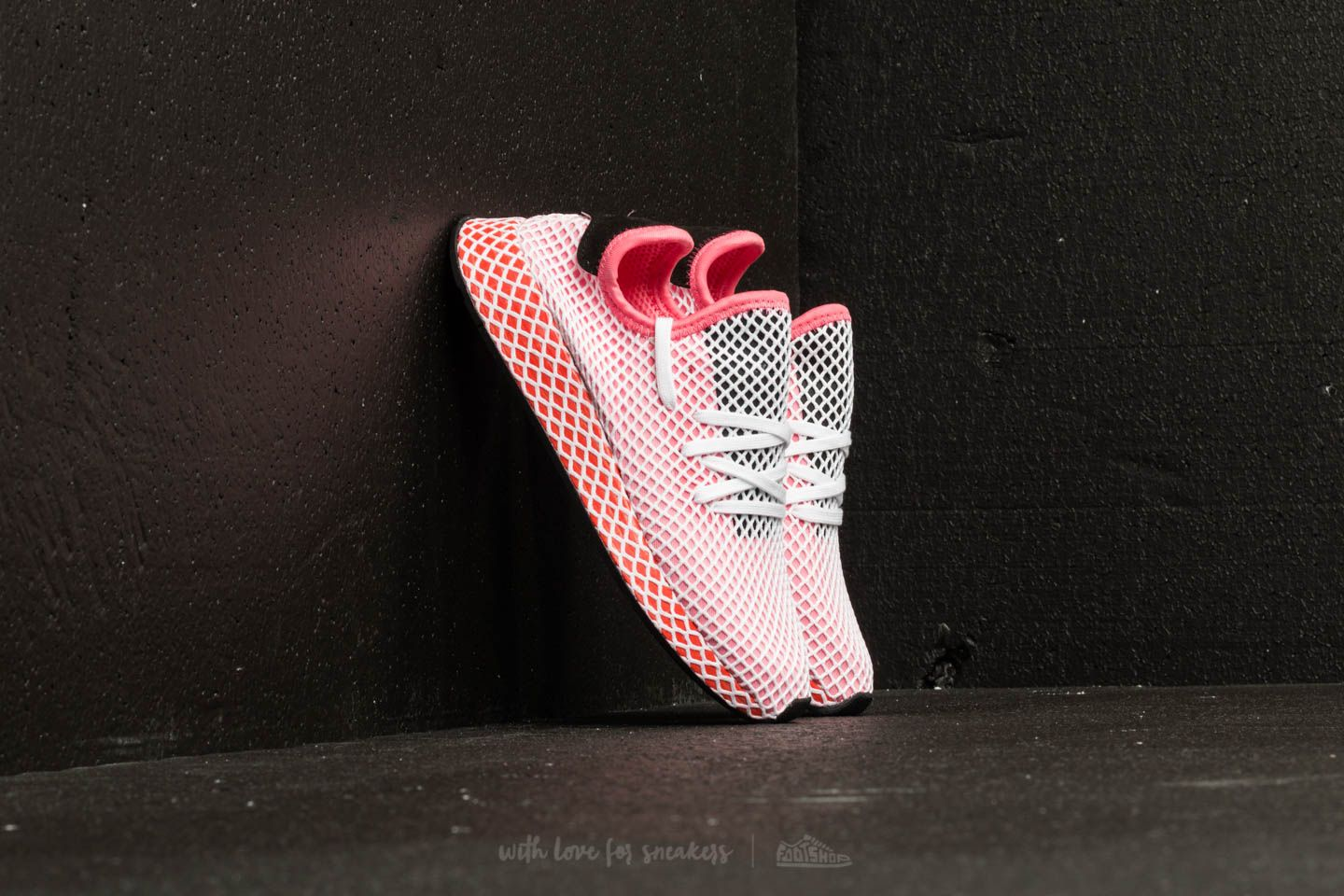 the latest 2c121 822de adidas Deerupt Runner W. Chalk Pink Chalk Pink Bold Orange