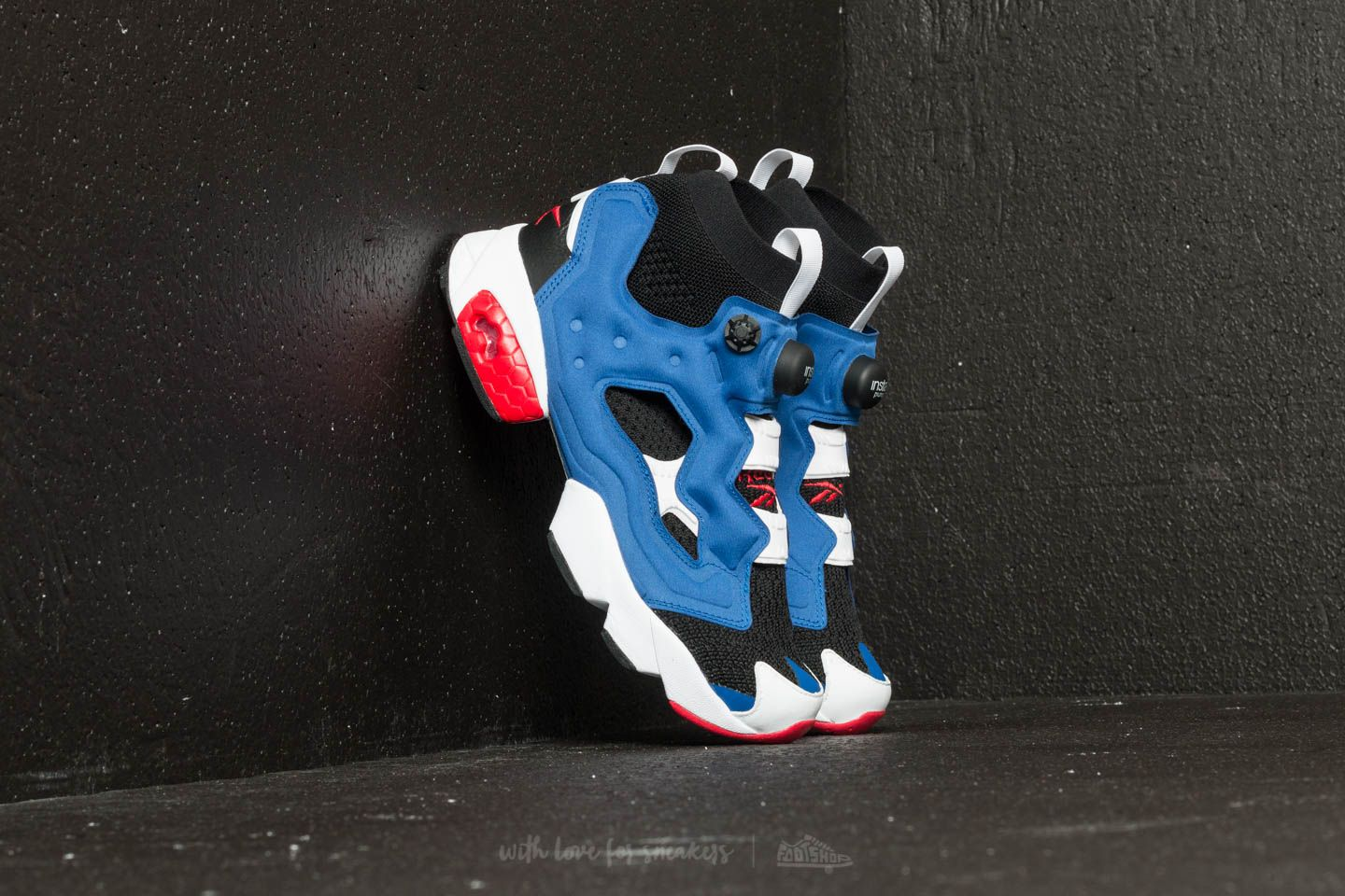 5bc6f605798af7 Reebok Instapump Fury OG Ultraknit Black  Team Dark Royal  Red ...