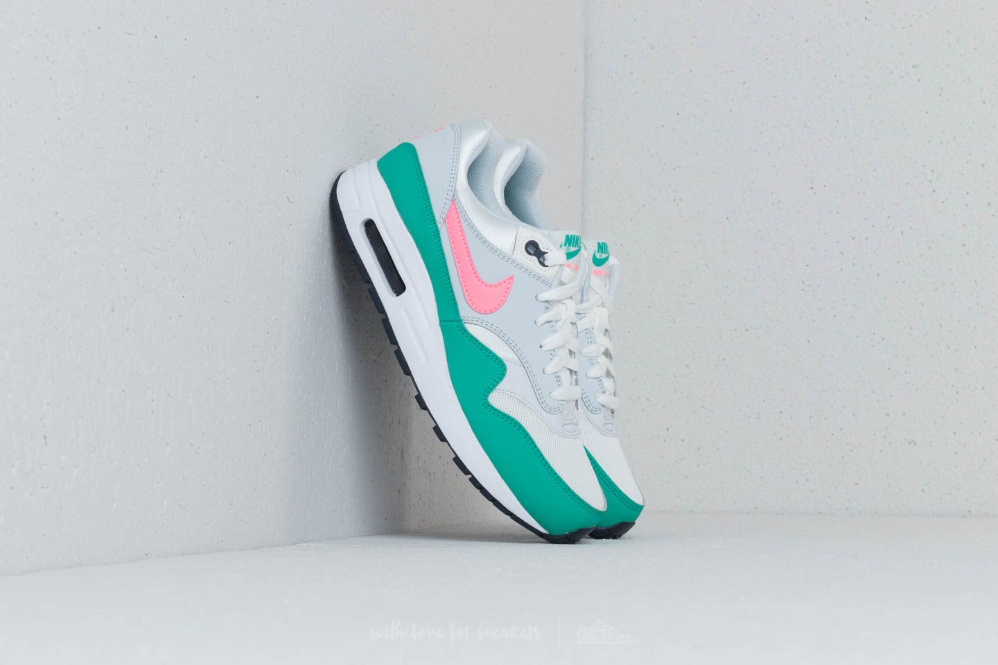 wholesale dealer 98bf4 02d14 Nike Air Max 1 (GS). Summit White  Sunset Pulse
