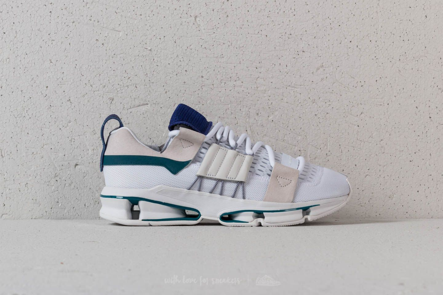 9e8c0970e4ad adidas Twinstrike ADV Ftw White  Rea Purple  Rea Purple at a great price 110
