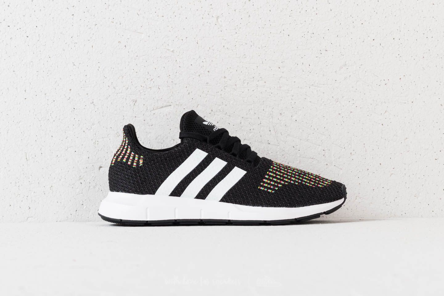 adidas Swift Run W Core Black  FtwWhite  Core Black za skvělou cenu 2 440 5a9b8aebf7b