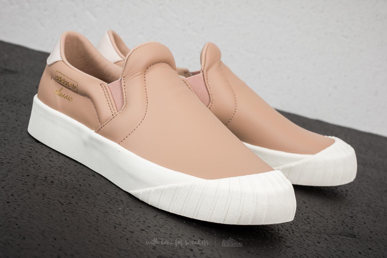 adidas everyn slip on