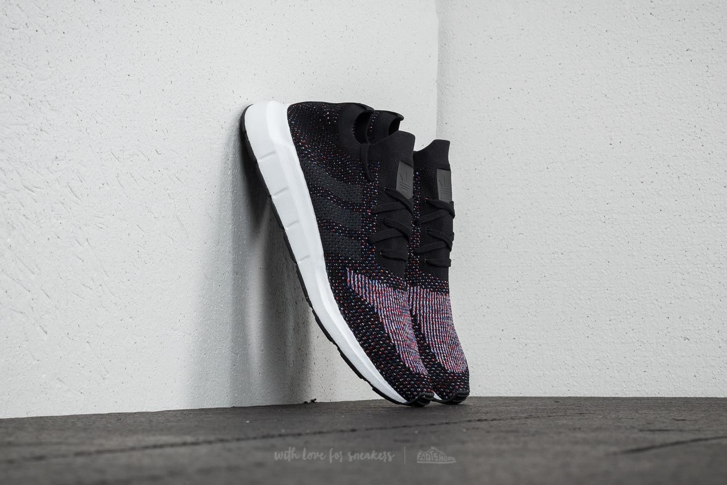 31ef4aad4e434 adidas Swift Run Primeknit Core Black  Grefiv  Mgrey