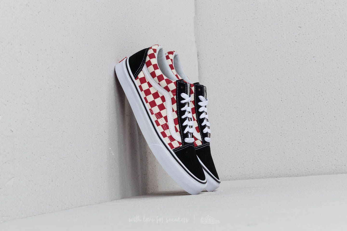b972fcfb23 Vans Old Skool (Checkerboard) Black  Red