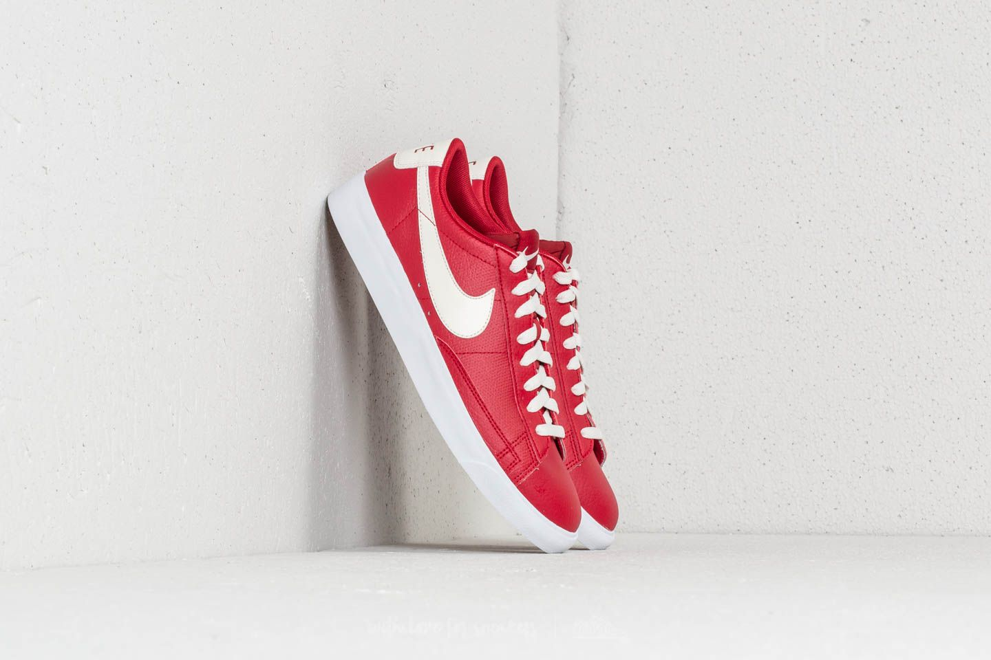 best cheap b59aa 05bf2 Nike Blazer Low Leather Gym Red  Sail at a great price 88 € buy at