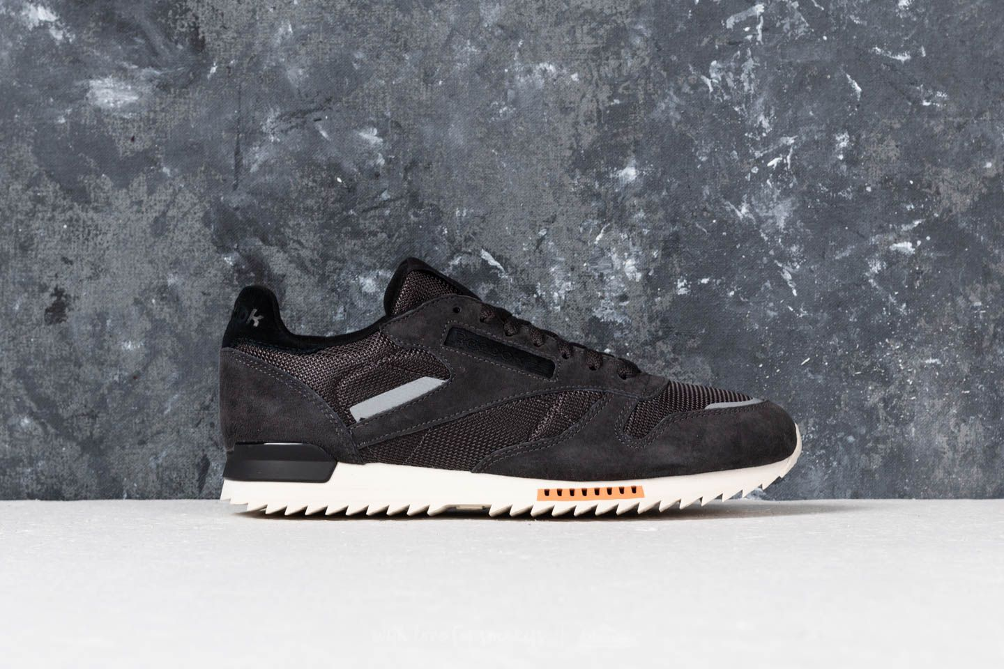 a8802b7e314 Reebok CL Leather Ripple SN Coal  Powder Gry  Classic White at a great price