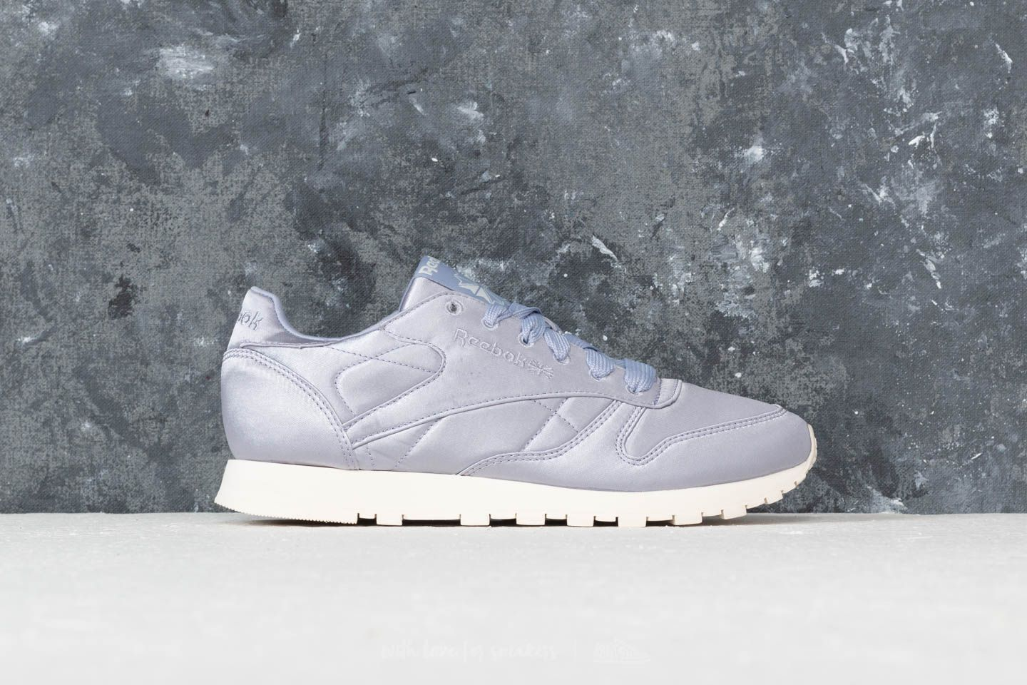 dad292ea513448 Reebok CL Leather Satin Purple Fog  Classic White at a great price 50 € buy