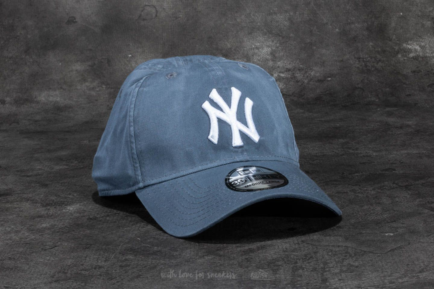 d7758916d01 New Era 39Thirty Washed New York Yankees Cap Blue at a great price 18 € buy