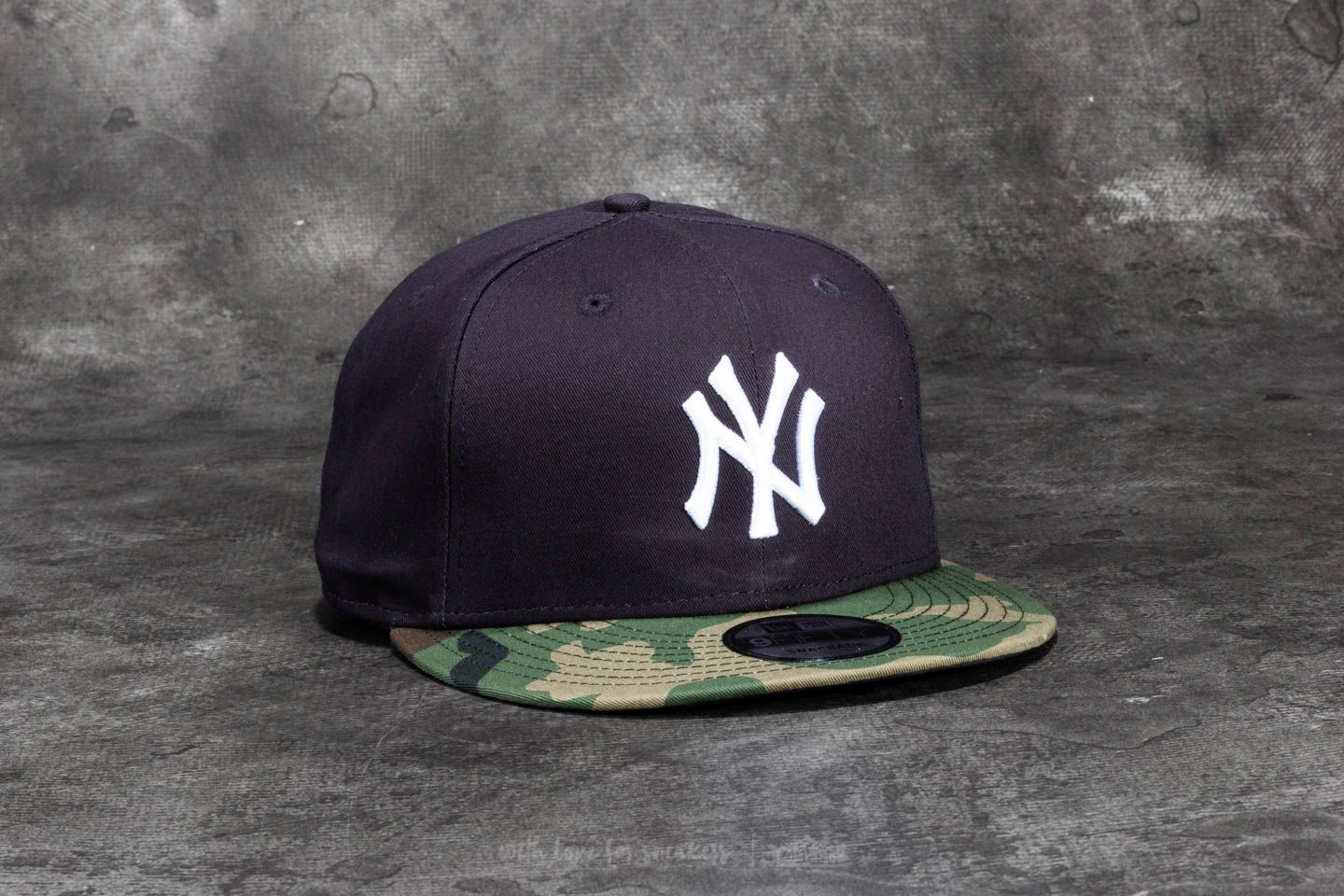 New Era 9Fifty Team Camo New York Yankees Cap Navy  Woodland Camo 10f99d9177c