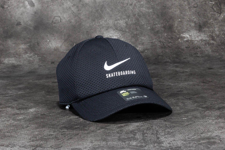 1bf8d215e3d Nike SB Swoosh Mesh Heritage 86 Cap Black  White