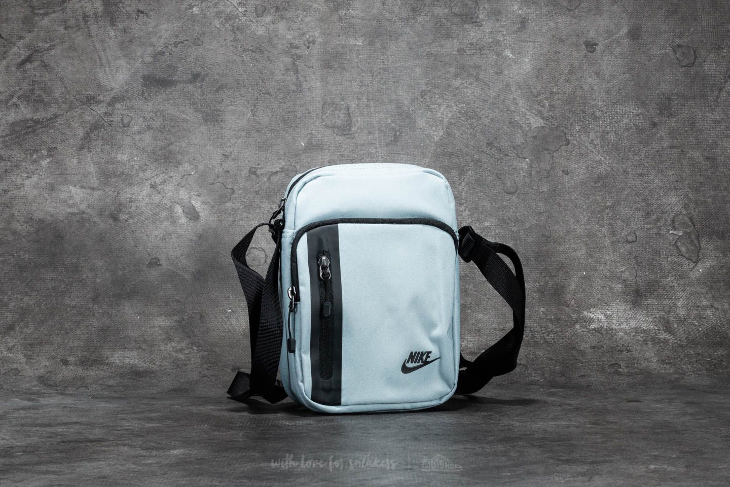 8dc6eec27326 Nike Tech Small Items Bag Wolf Grey