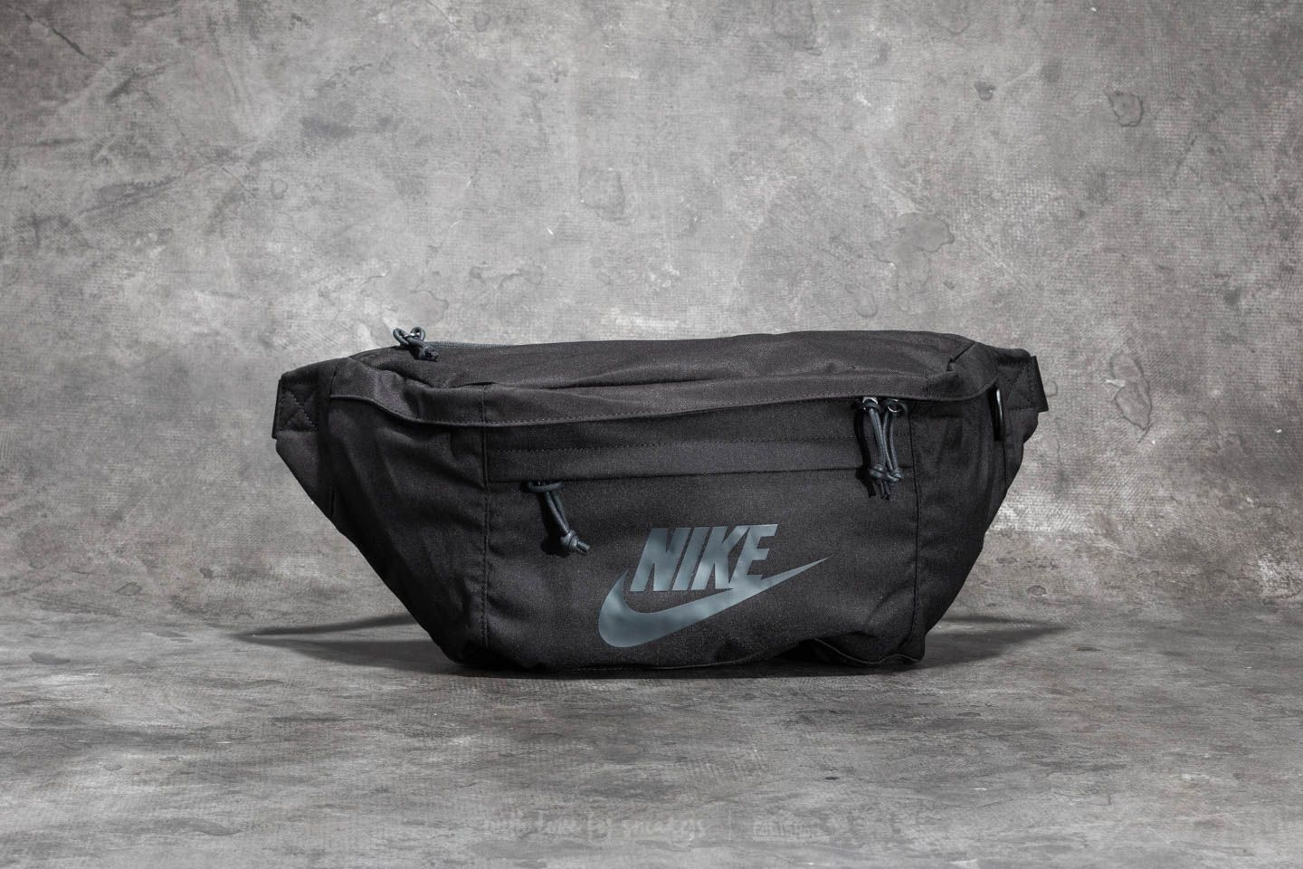 Riñoneras Nike Tech Hip Pack Black/ Black