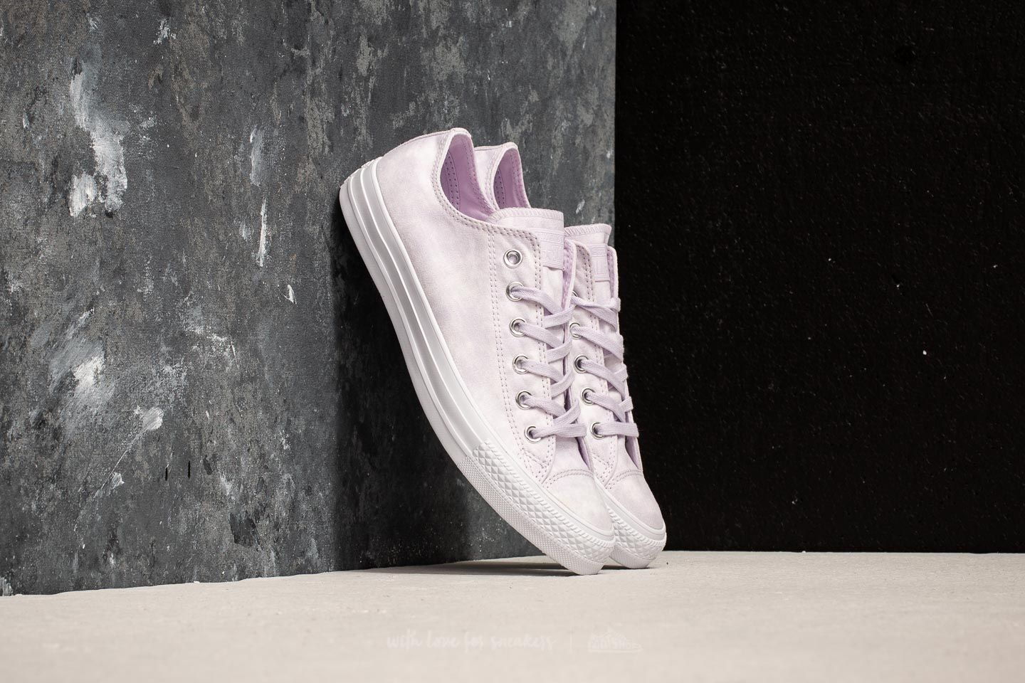4d0d257e0587 Converse Chuck Taylor All Star Ox Barely Grape  Barely Grape
