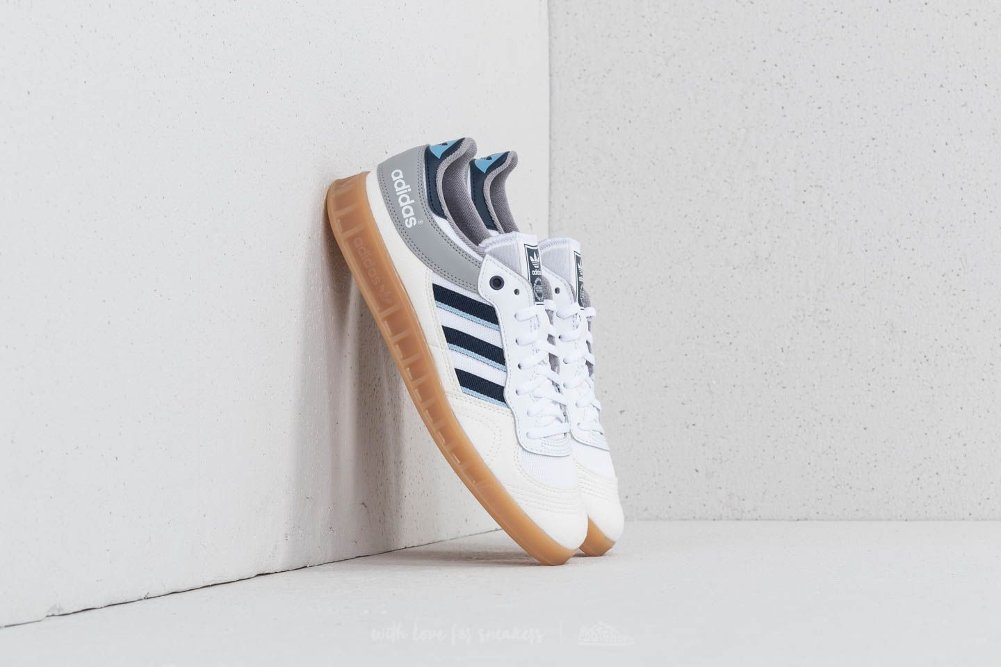 new arrival 7f735 6a801 adidas Liga Vintage White  Collegiate Navy  Clear Sky at a great price 77 €