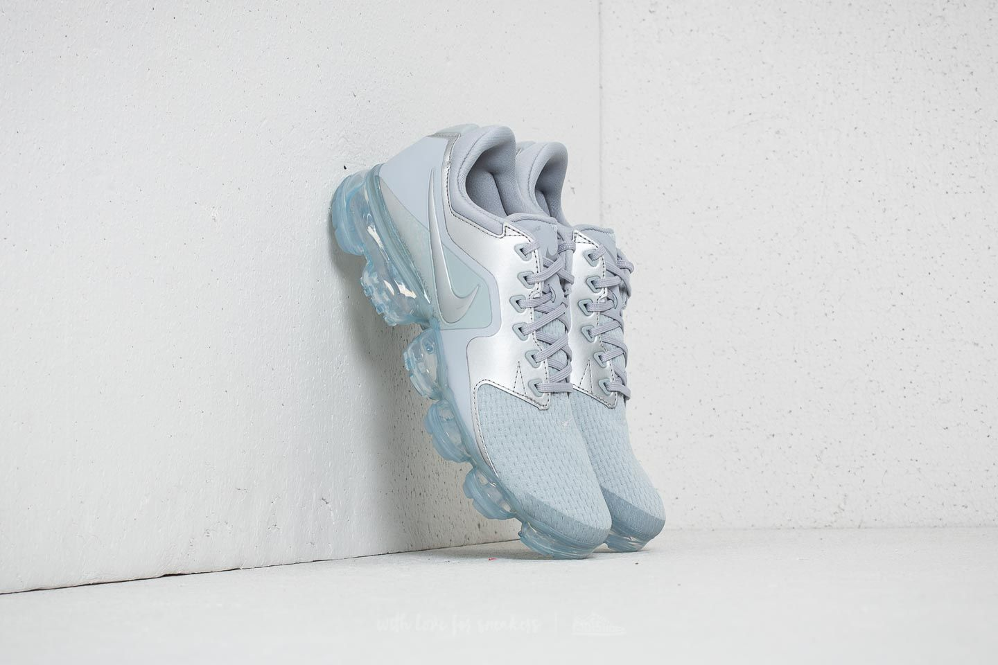 8f717cce04af7 Nike Air Vapormax WMNS Wolf Grey  Metallic Silver at a great price 191 € buy