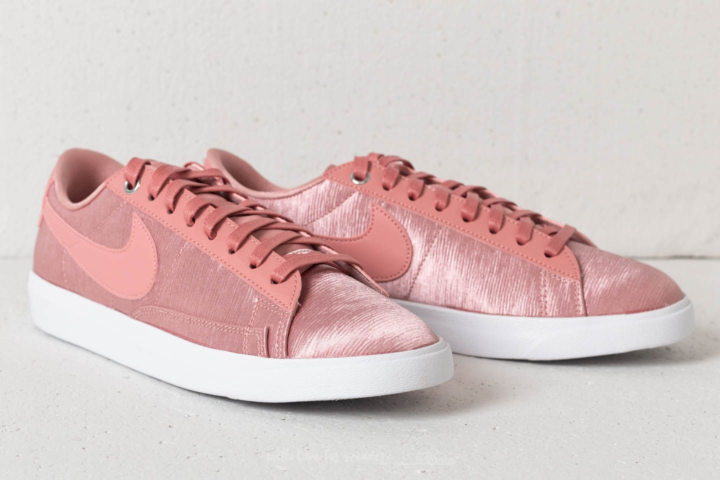 best sneakers 9d03a 5ce30 ... free shipping nike w blazer low se rust pink rust pink white at a great  price ...