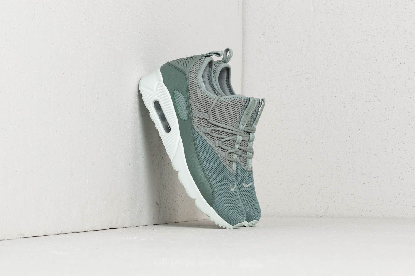 hot sale online dd6aa 53ee3 Nike Air Max 90 Ez. Clay Green  Mica Green