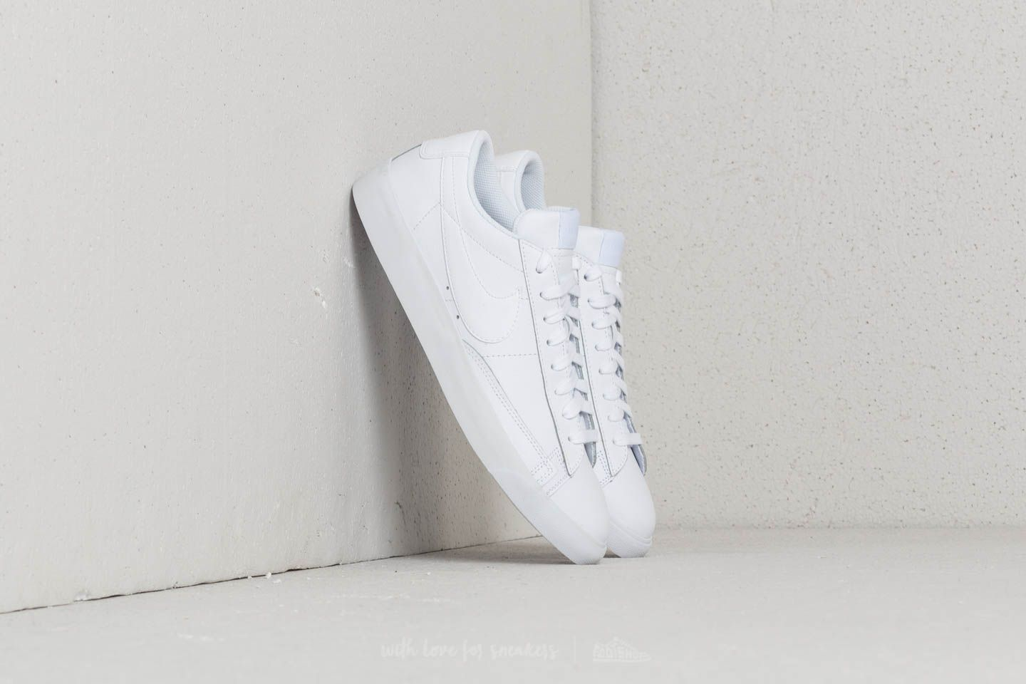 huge selection of 54845 b8355 Nike Blazer Low Leather White White-White at a great price £76 buy