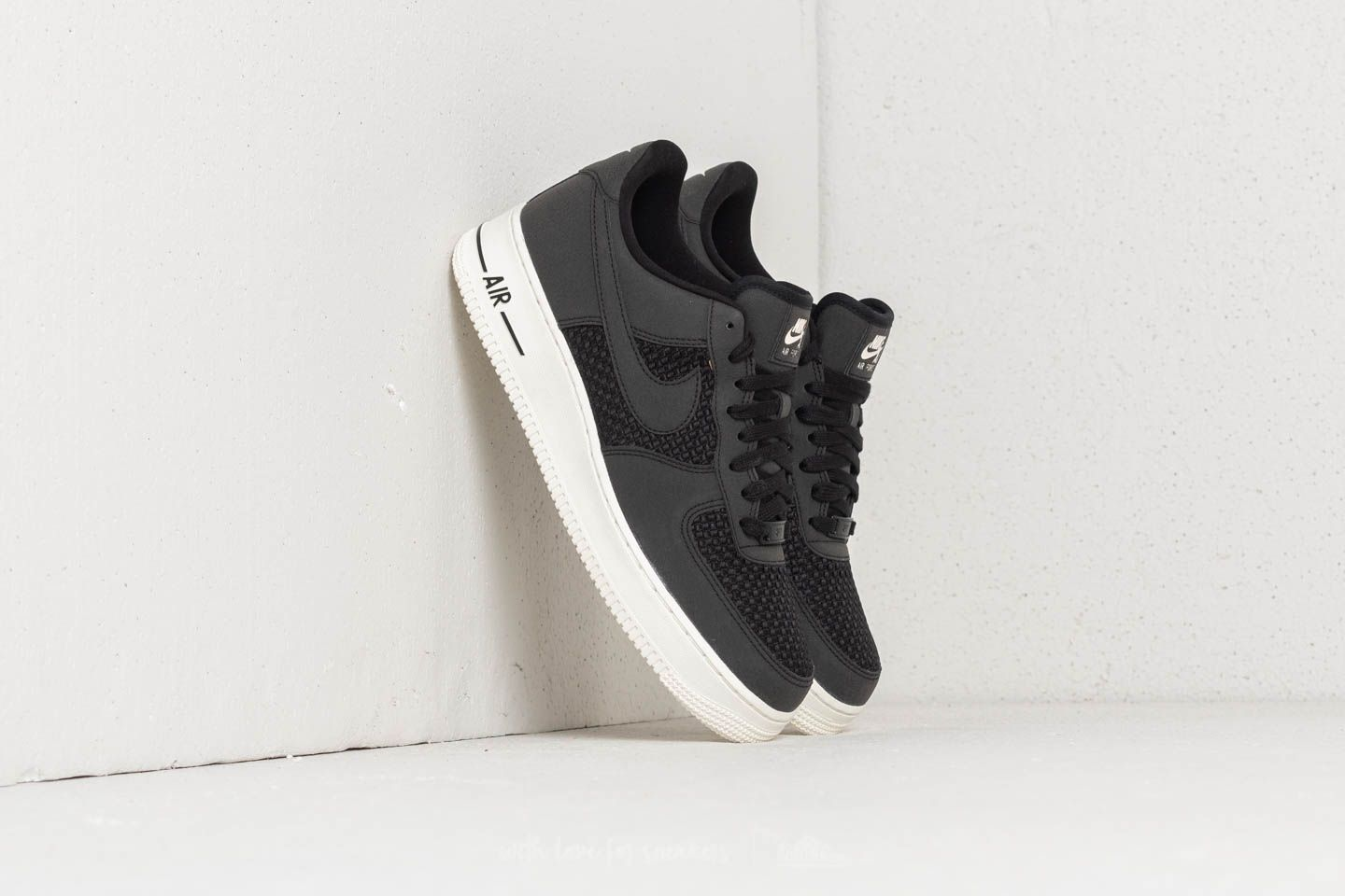 free shipping 00908 06ec6 Nike Air Force 1 Low. Black ...