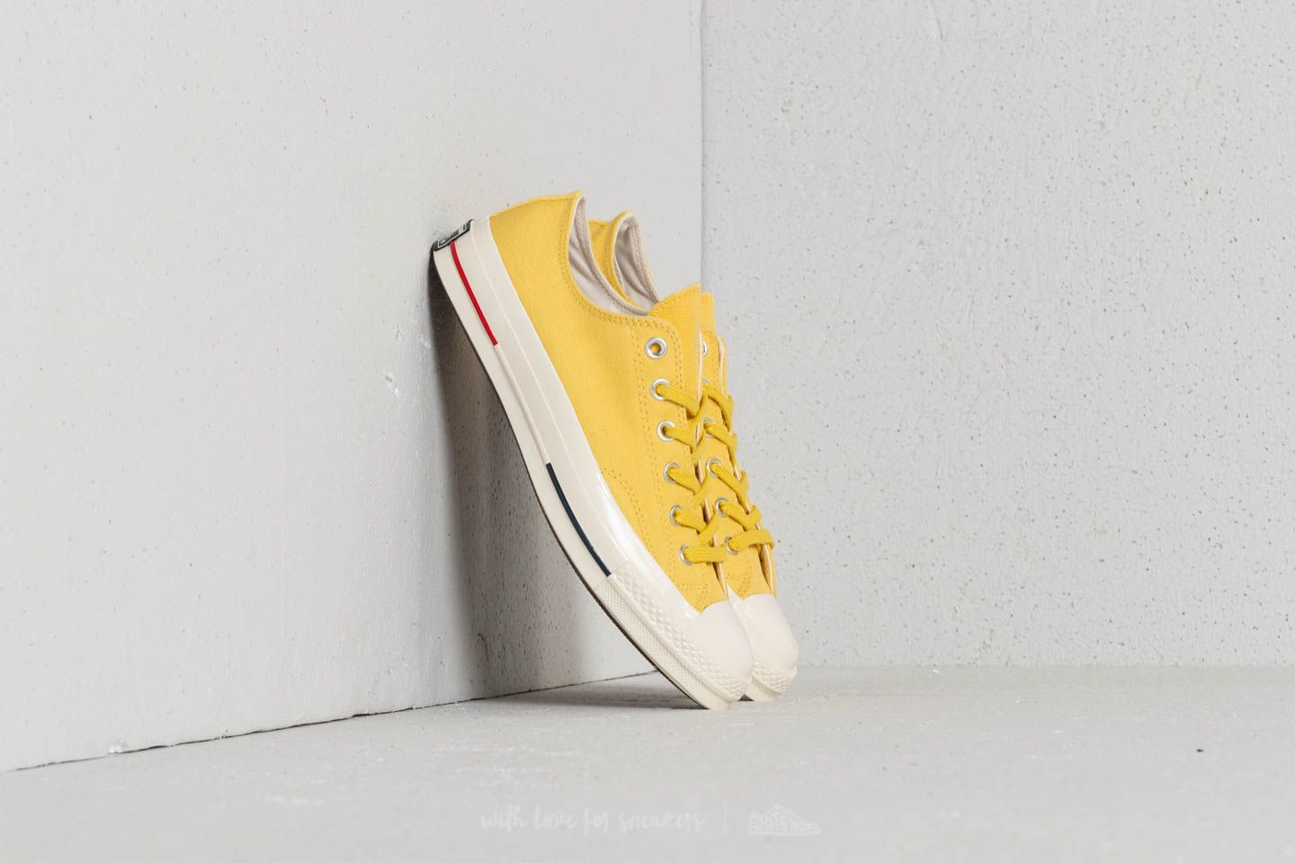 5339e8d45055 Converse Chuck Taylor All Star 70 Ox Desert Gold  Navy  Gym Red ...