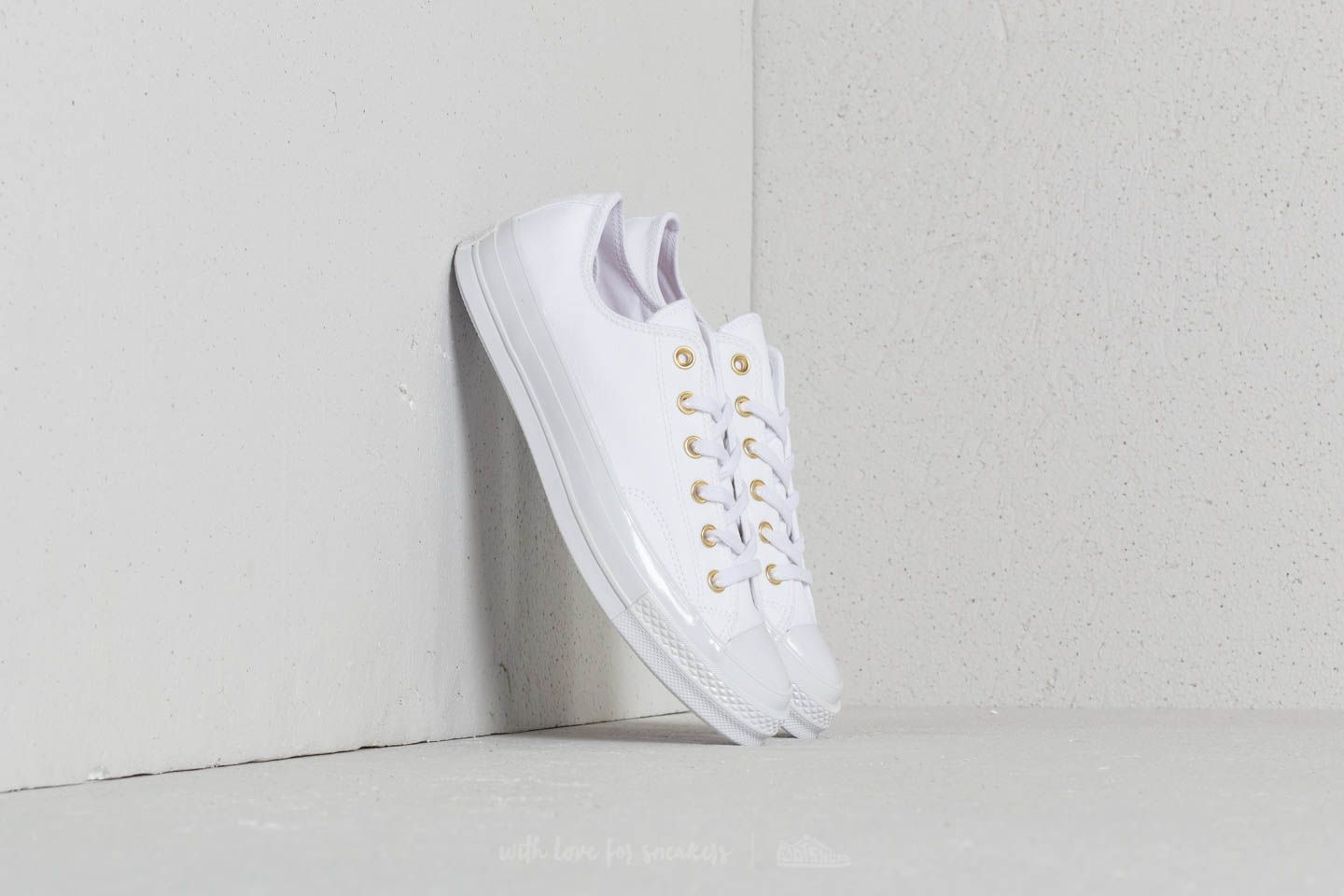 af491a24ba8c Converse Chuck Taylor All Star 70 Ox White  White  Cherry Blossom ...
