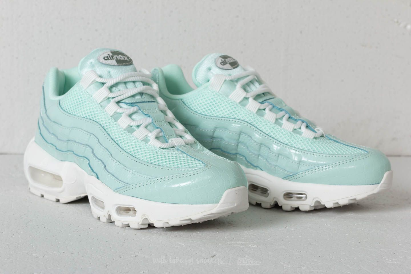 esta noche Caso dañar  Men's shoes Nike Wmns Air Max 95 PRM Igloo / Igloo-Summit White