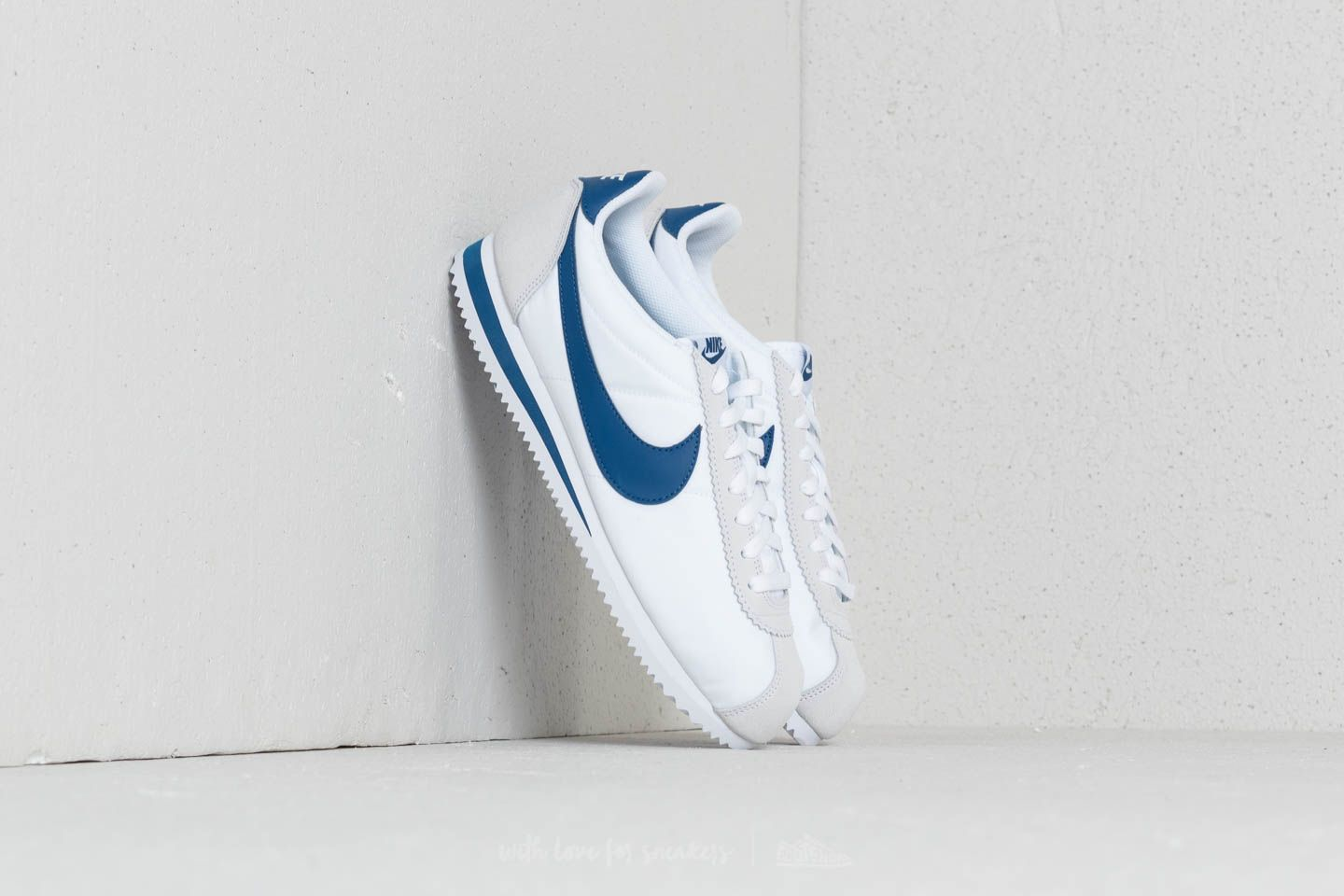 low cost 87210 0c057 Nike Classic Cortez Nylon White Gym Blue at a great price £70 buy at