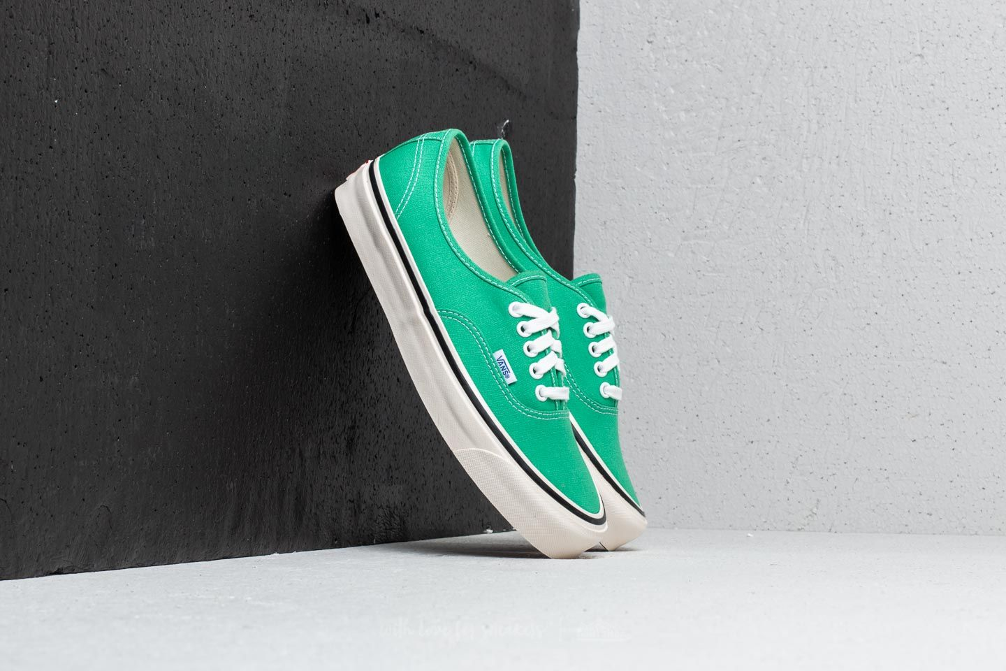 7a6c914abf3 Vans Authentic 44 DX (Anaheim Factory) OG Jade | Footshop