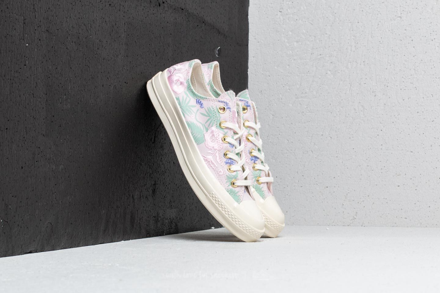 Chaussures et baskets femme Converse Chuck Taylor All Star 70 Ox Barely Rose/ Jaded/ Egret