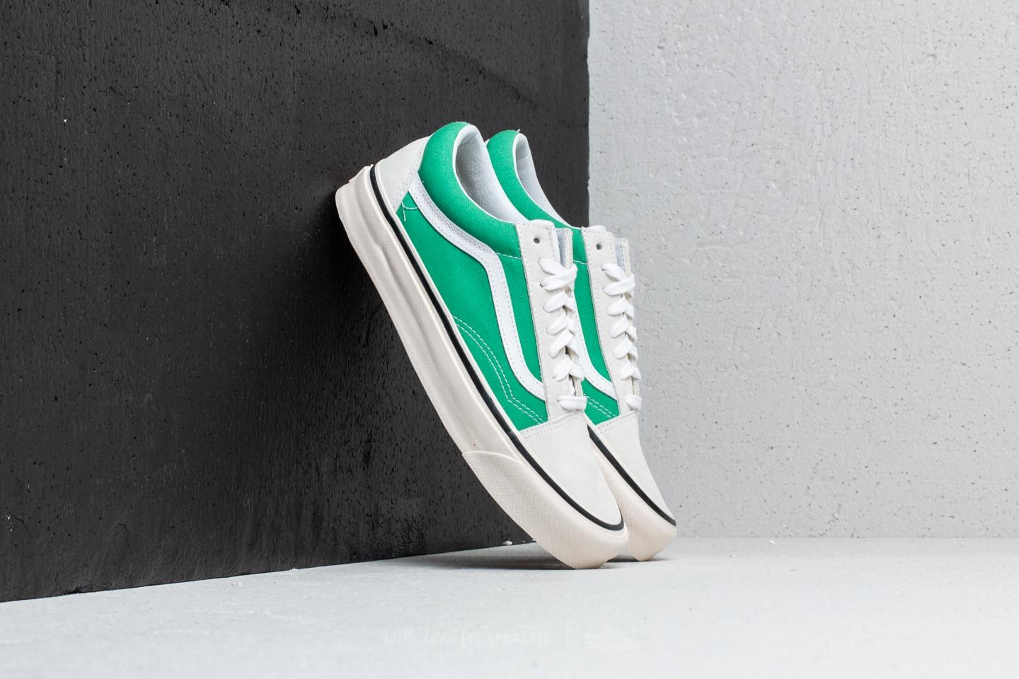 3570df9b93e1 Vans Old Skool 36 DX (Anaheim Factory) White  OG Jade