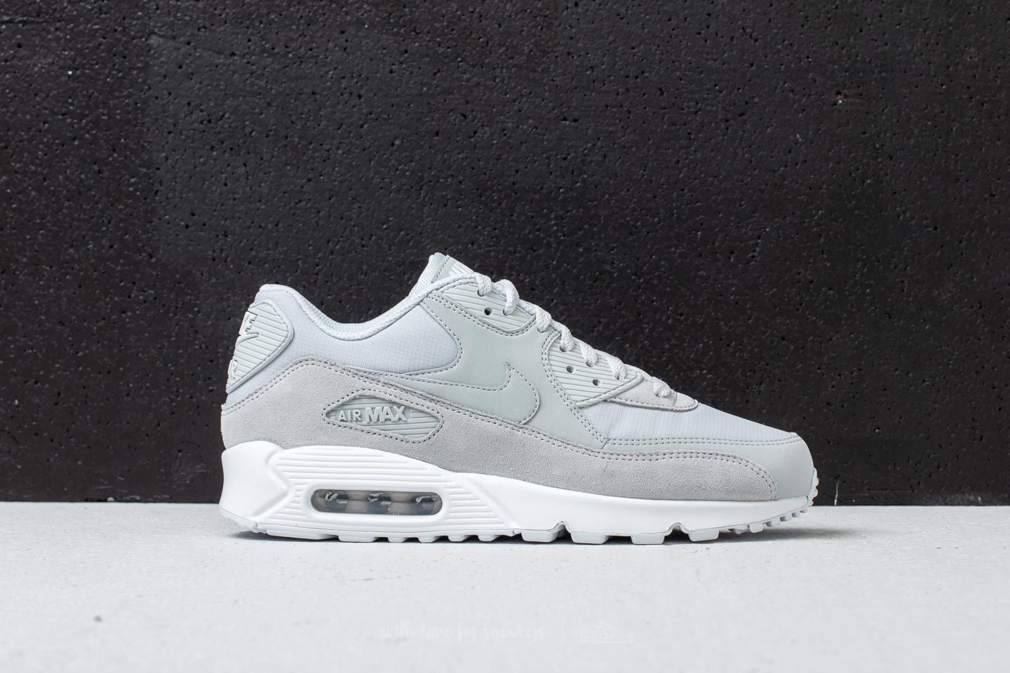 pretty nice 3e7b5 15e32 Nike Air Max 90 Essential Pure Platinum  Pure Platinum at a great price 139  €