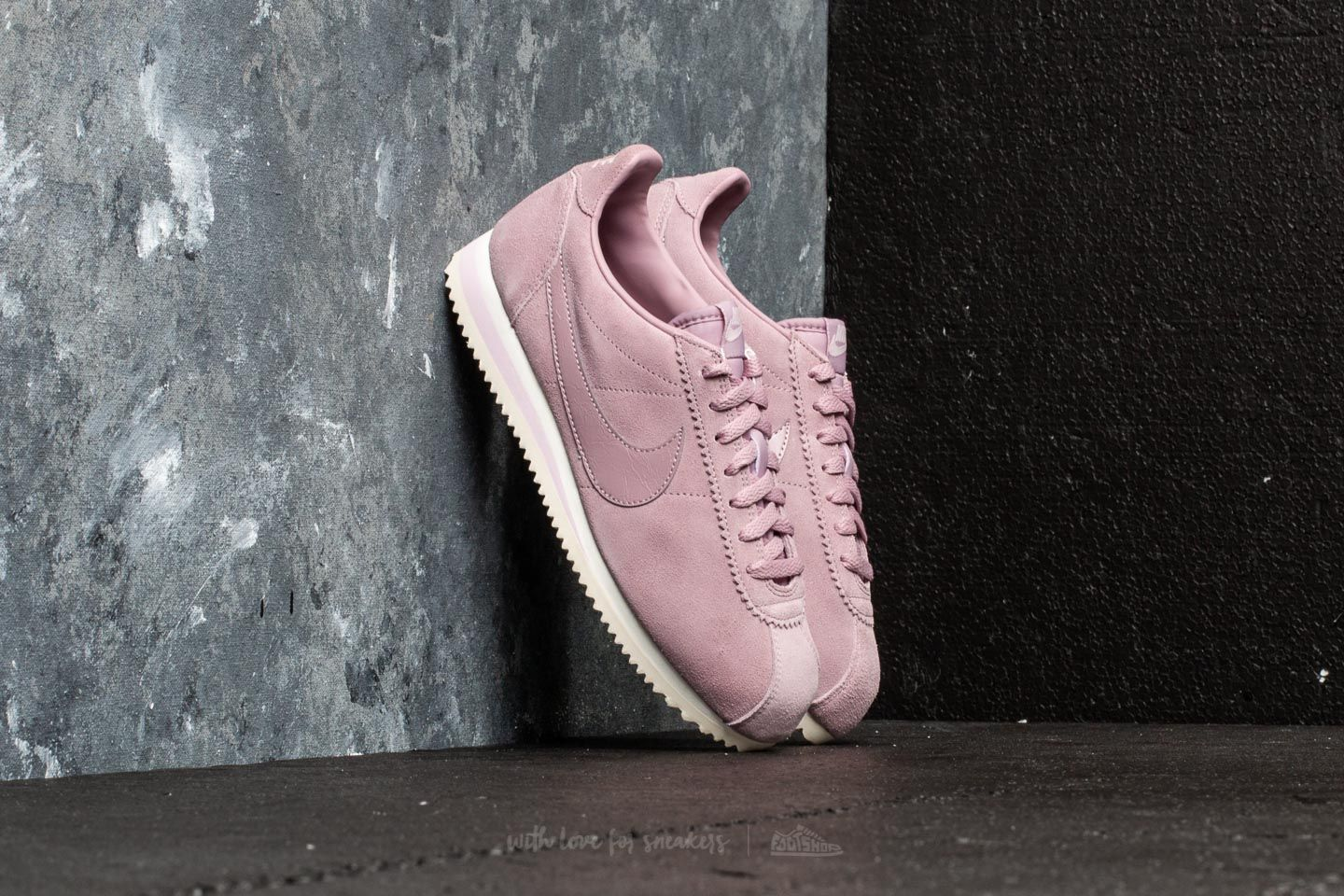 newest collection f106d 29b9f Nike Wmns Classic Cortez