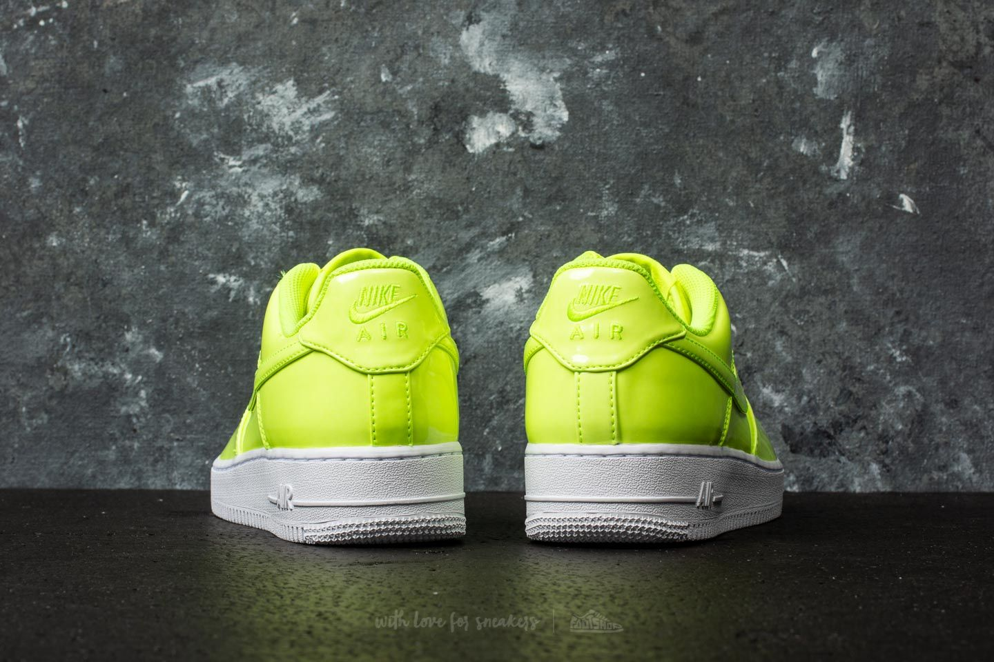 Nike Air Force 1 07 Lv8 Uv Volt Uomo