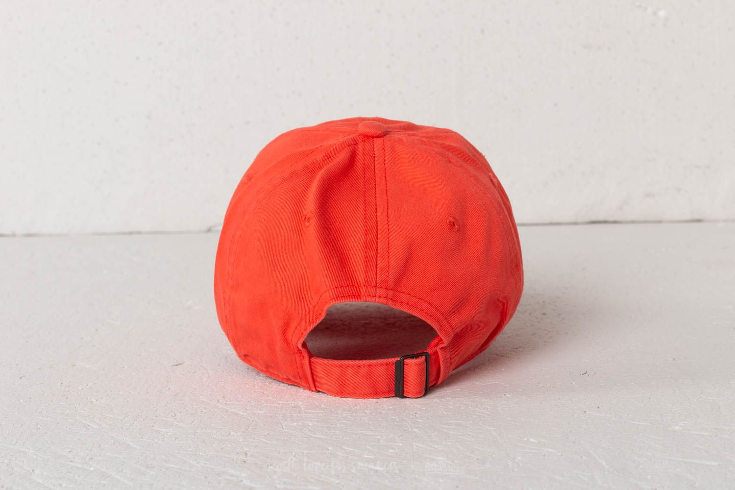 5e3a128520237 Nike Futura Classic Heritage86 Cap Orange at a great price 503 ГРН купите  на Footshop.