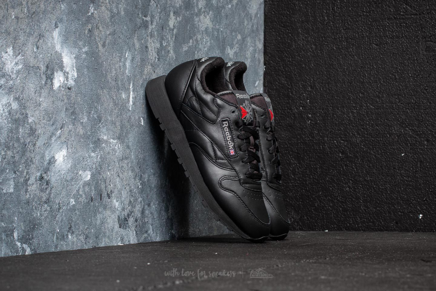 Reebok Classic Leather Black  Carbon  Red at a great price 58 € buy at 3ac29ef9ba