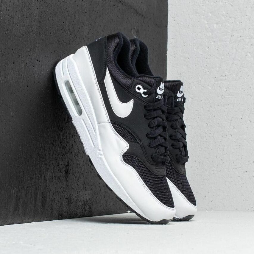 Nike Wmns Air Max 1 Black/ White EUR 38