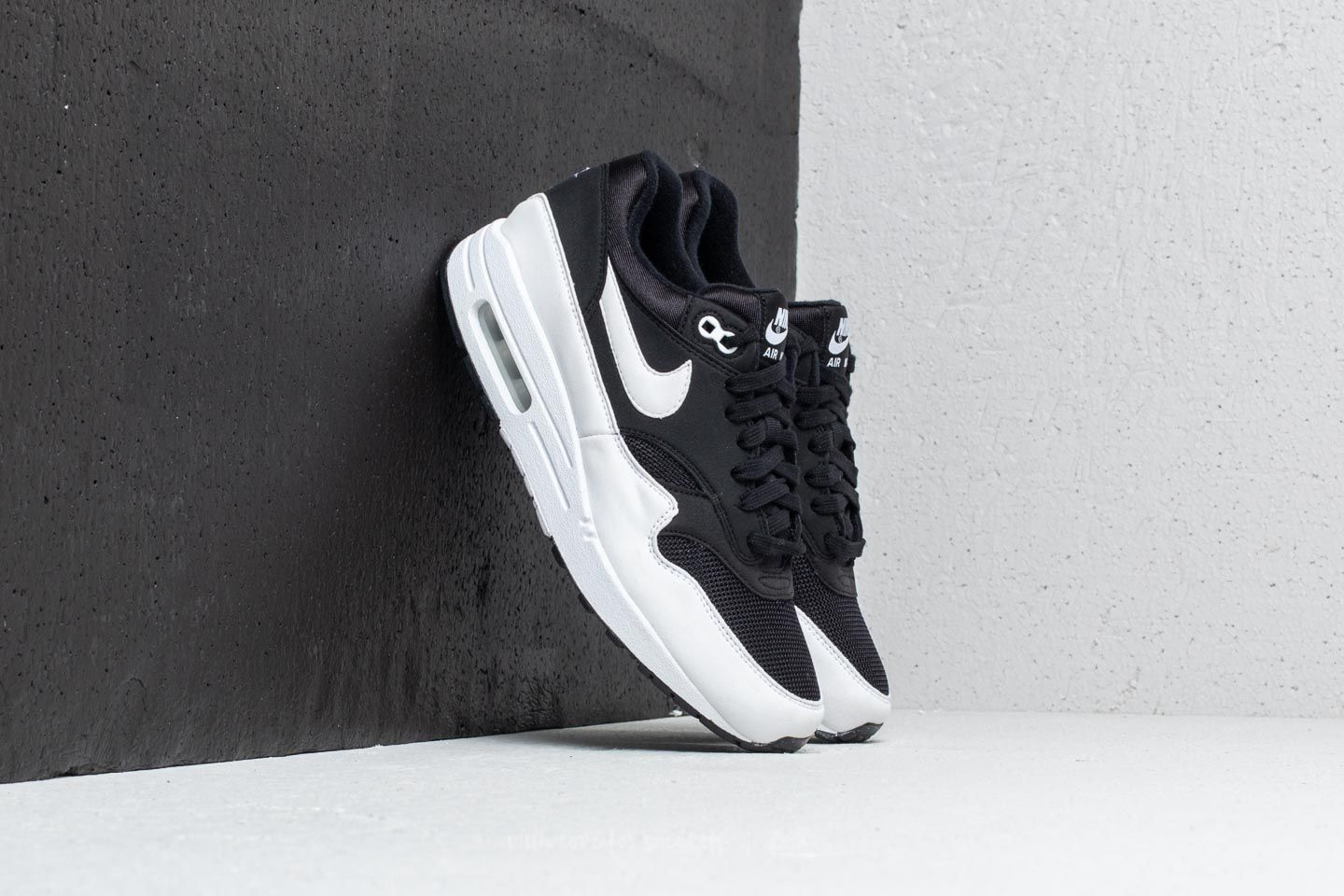 buy online 0cb4a 5381b Nike Wmns Air Max 1 Black  White at a great price 96 € buy at
