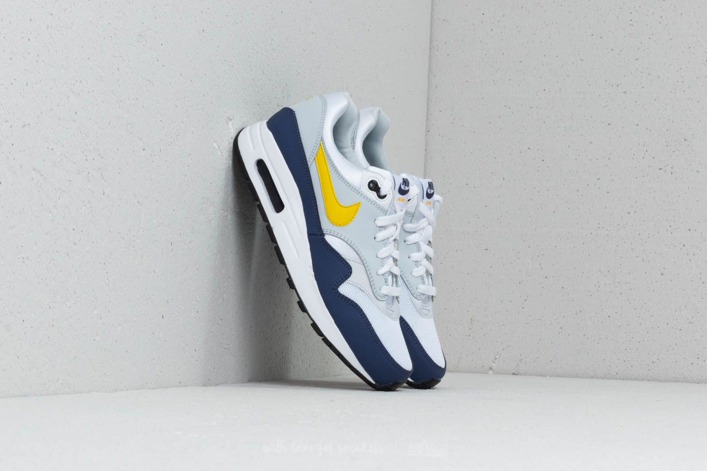 premium selection 629ed ce6ba Nike Air Max 1 (GS) White Tour Yellow-Blue Recall au meilleur