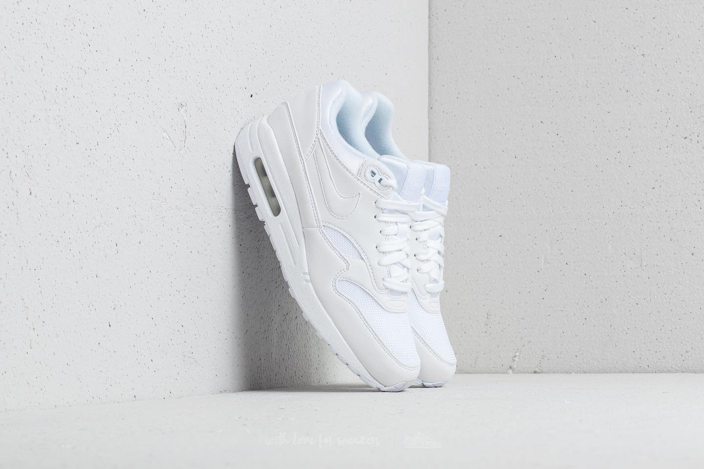 reputable site 34e4c 1c667 Nike Air Max 1 WMNS. White  White-Pure Platinum