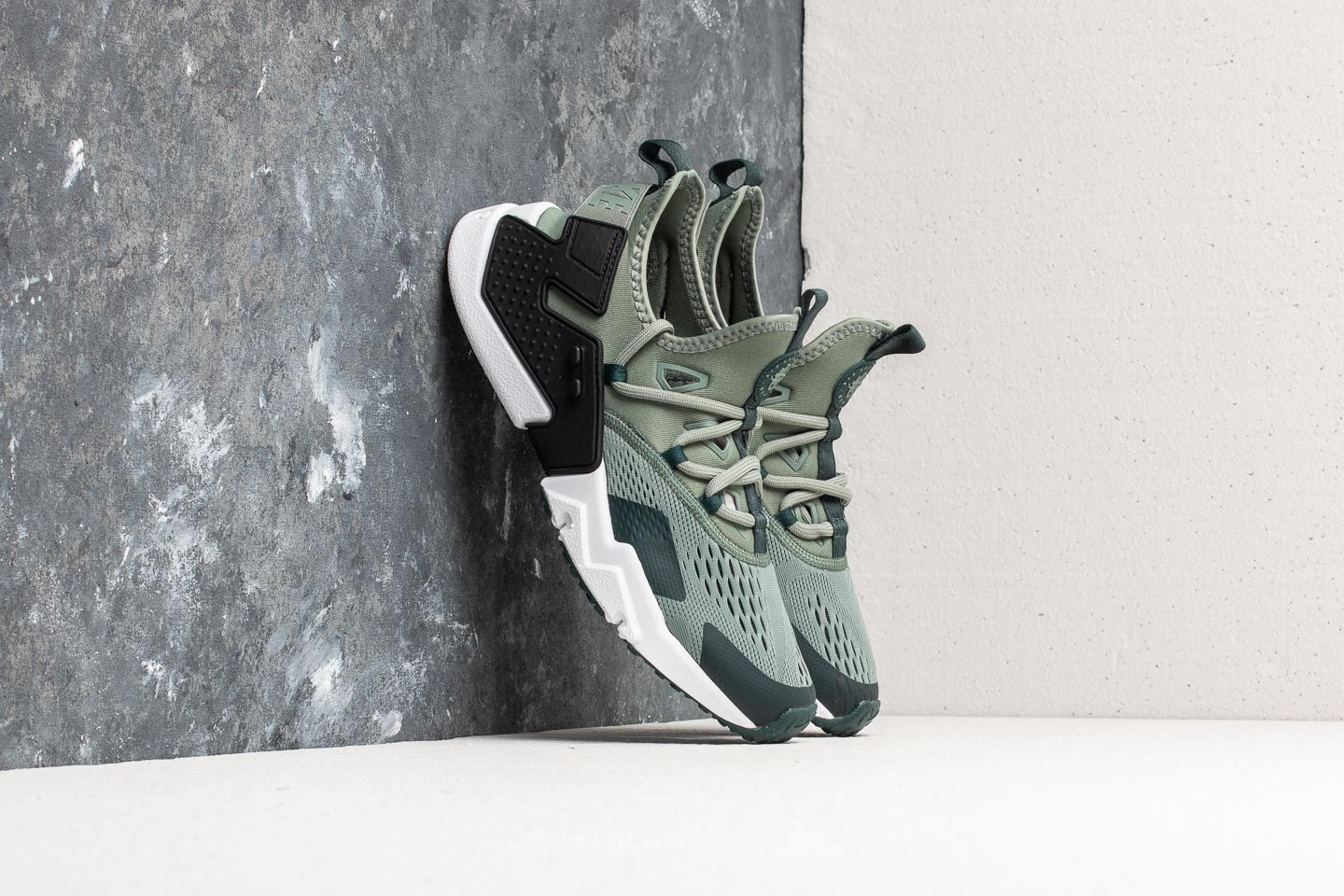 195cd455a793 Nike Air Huarache Drift Breathe Clay Green  Deep Jungle-Black