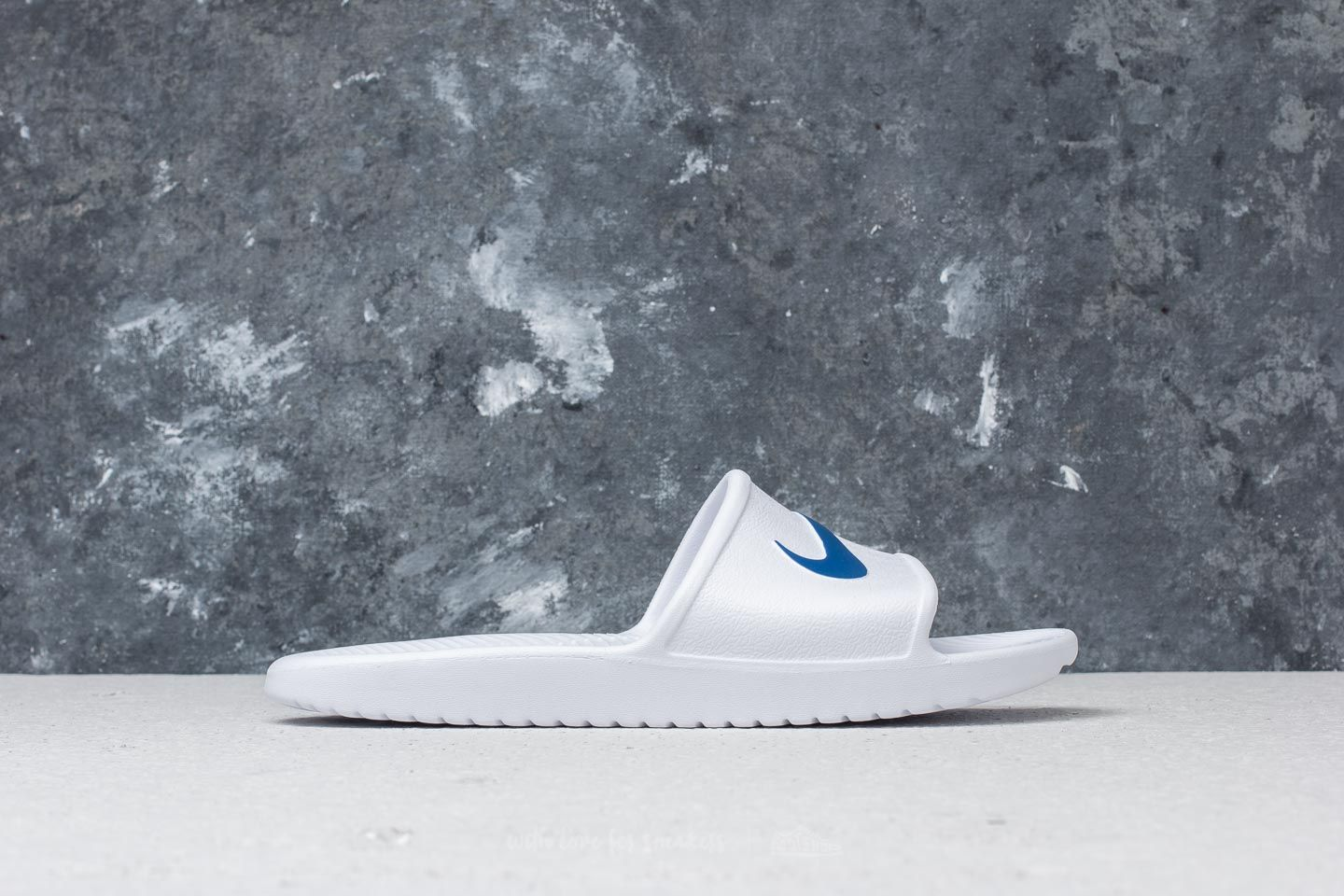 2877377f7 Nike Kawa Shower White  Blue Moon at a great price 19 € buy at Footshop