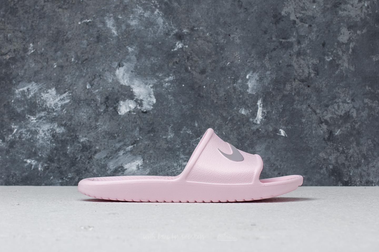 aaa2ec798 Nike Wmns Kawa Shower Arctic Pink  Atmosphere Grey at a great price £14 buy