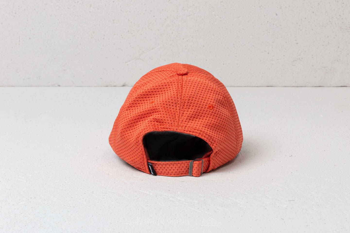 951a7e3aca1 Nike SB Swoosh Mesh Heritage86 Cap Vintage Coral  White at a great price £26