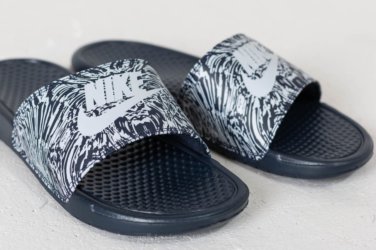 innovative design 86521 872bb Nike Benassi JDI Print Obsidian  Pure Platinum at a great price £26 buy at