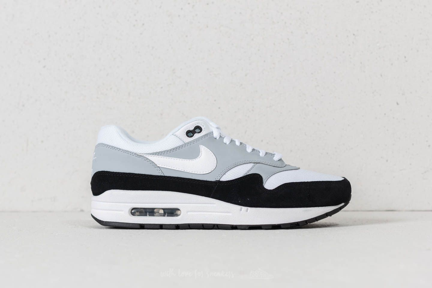 f64e4ce335a2 Nike Air Max 1 Wolf Grey  White-Black at a great price 136 €